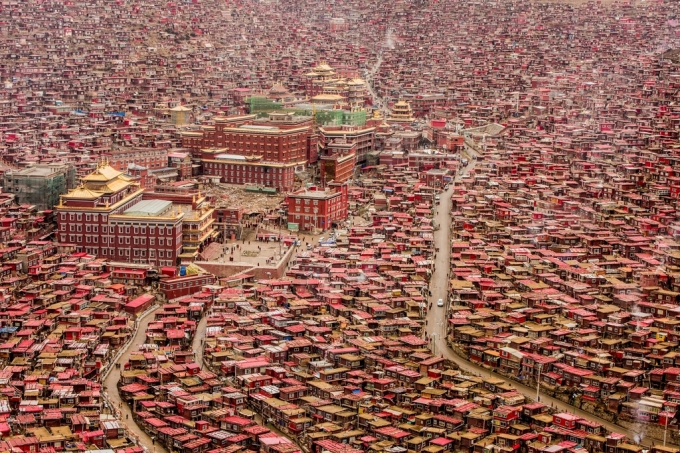 The World's Largest Buddhist College and Tibet