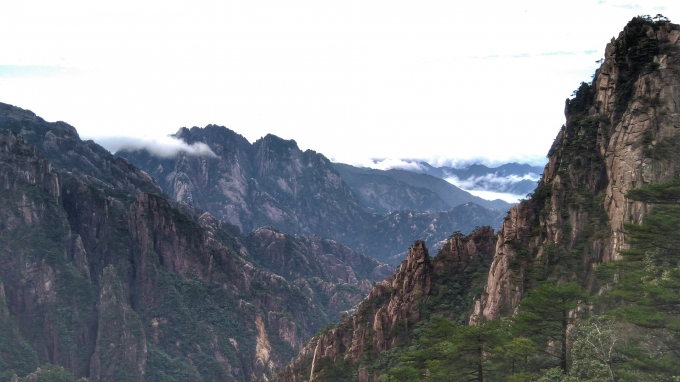 My Most Amazing Trip to Huangshan Mountain Range in China!