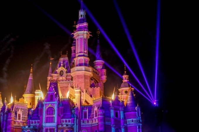 SHANGHAI Disneyland!