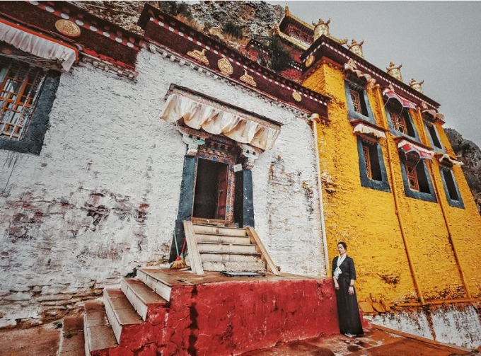 7-hour walk among Gandan Temple and Zhayeba Temple in Tibet